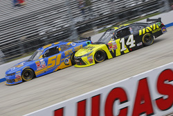Jeremy Clements, Jeremy Clements Racing Chevolet y Cale Conley, TriStar Motorsports Toyota