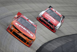 Daniel Suarez, Joe Gibbs Racing Toyota en Austin Dillon, Richard Childress Racing Chevrolet