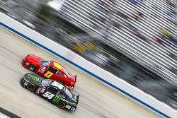 Kyle Busch, Joe Gibbs Racing Toyota and Harrison Rhodes, JD Motorsports Chevrolet
