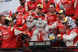 Winnaar Kevin Harvick, Stewart-Haas Racing Chevrolet