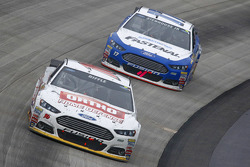 Greg Biffle, Roush Fenway Racing Ford; Ricky Stenhouse Jr., Roush Fenway Racing Ford