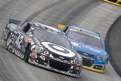 Kyle Larson, Chip Ganassi Racing Chevrolet en Dale Earnhardt Jr., Hendrick Motorsports Chevrolet