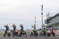 Javier Orellana, campeón EJC, Lorenzo Savadori, campeón de Superstock 1000, Jonathan Rea, campeón de