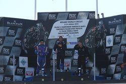 Podio Gara 1: il vincitore Giorgio Mondini, Eurointernational, il secondo classificato Danny Molinar