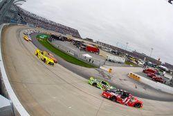 Kurt Busch, Stewart-Haas Racing Chevrolet et Kyle Busch, Joe Gibbs Racing Toyota