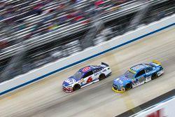 Trevor Bayne, Roush Fenway Racing Ford and Dale Earnhardt Jr., Hendrick Motorsports Chevrolet