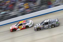 A.J. Allmendinger, JTG Daugherty Racing Chevrolet and Kyle Larson, Chip Ganassi Racing Chevrolet
