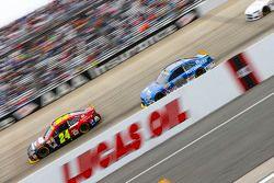 Jeff Gordon, Hendrick Motorsports Chevrolet and Dale Earnhardt Jr., Hendrick Motorsports Chevrolet
