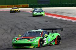 السيارة رقم 333 رينالدي ريسينغ فيراري 458 إيطاليا: ماركو سيفرايد، نوربرت سيدلر