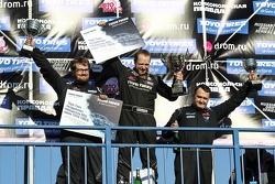 Подиум: Павел Бусыгин, второй, Евгений Сатюков, победитель и Ярослав Гавриков, третий