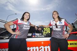 #200 Ford Falcon FG X: Renee Gracie, Simona de Silvestro