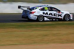 James Moffat y Taz Douglas, Nissan Motorsports