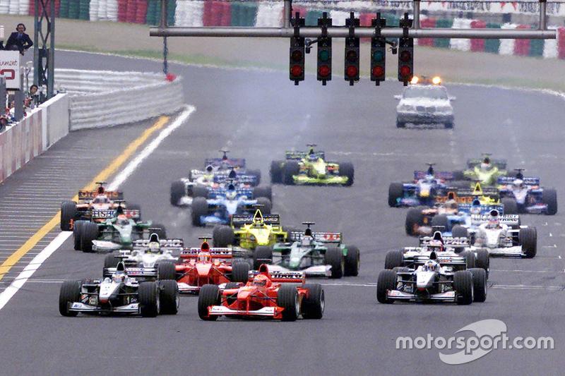 Inicio: Mika Hakkinen, McLaren yMichael Schumacher, Ferrari lideran