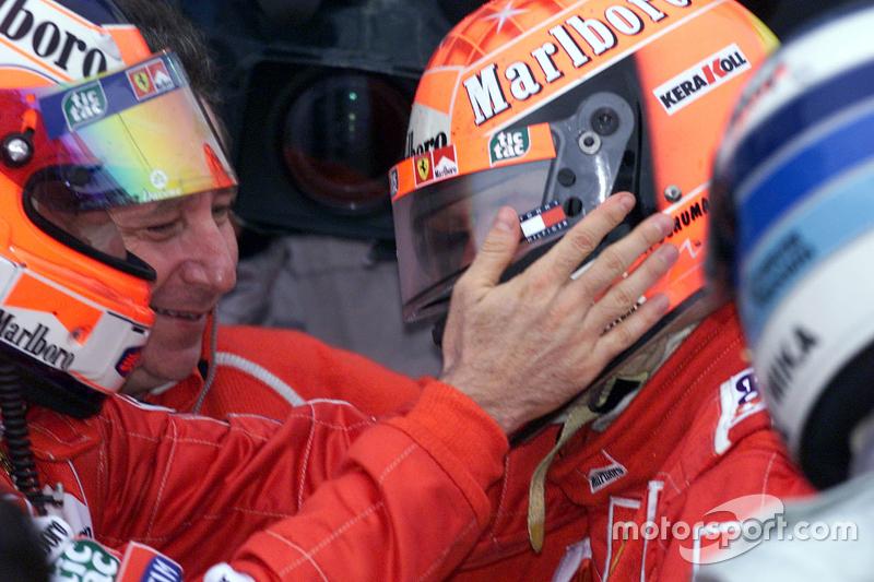 Ganador de la carrera y Campeon del Mundo del 2000 Michael Schumacher, Ferrari con Rubens Barrichell