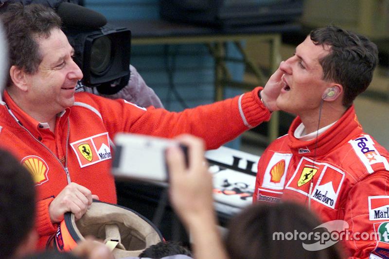 Ganador de la carrera y Campeon del Mundo del 2000 Michael Schumacher, Ferrari con Jean Todt