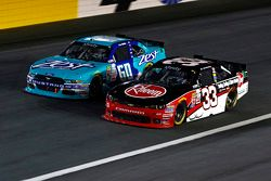Chris Buescher, Roush Fenway Racing Ford y Austin Dillon, Richard Childress Racing Chevrolet