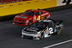 Ross Chastain, JD Motorsports Chevrolet y Brian Scott, Richard Childress Racing Chevrolet