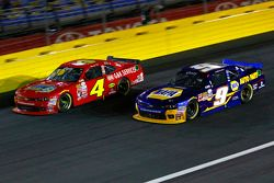 Ross Chastain, JD Motorsports Chevrolet y Chase Elliott, JR Motorsports Chevrolet