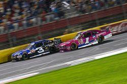 Ty Dillon, Richard Childress Racing Chevrolet dan Elliott Sadler, Roush Fenway Racing Ford