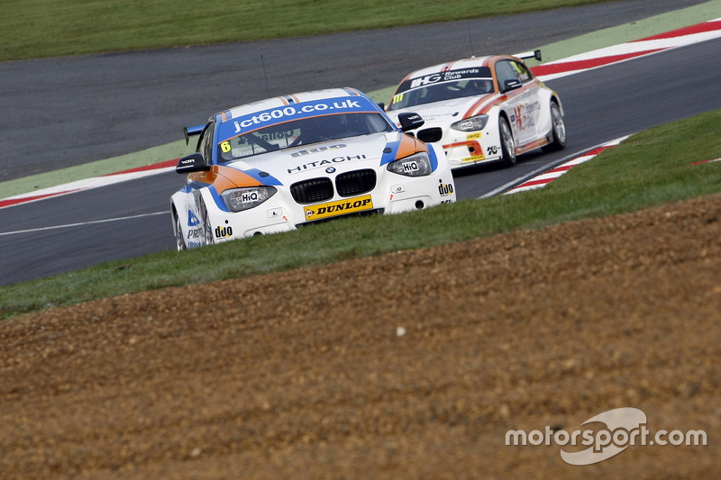 Rob Collard, Team JCT600 with GardX BMW 125i MSport #111 Andy Priaulx, Team IHG Rewards Club BMW 125