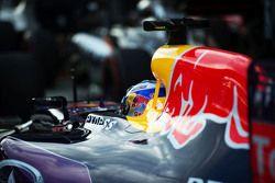Daniel Ricciardo, Red Bull Racing RB11, dans le parc fermé