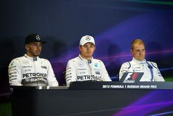 La conférence de presse de la FIA après les qualifications : Lewis Hamilton, Mercedes AMG F1 ; Nico Rosberg, Mercedes AMG F1 ; Valtteri Bottas, Williams