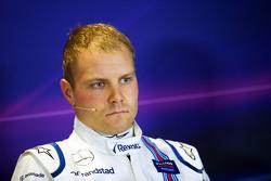 Valtteri Bottas, Williams en la conferencia de prensa de la FIA