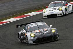 #88 Abu Dhabi Proton Competition Porsche 911 RSR: Christian Ried, Earl Bamber, Khaled Al Qubaisi
