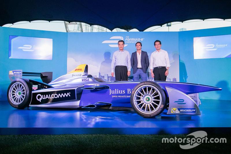 Formula E auto en Hong Kong con Nelson Piquet Jr.