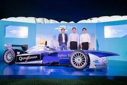 Formula E car in Hong Kong with Nelson Piquet Jr. and Alejandro Agag, CEO Formula E