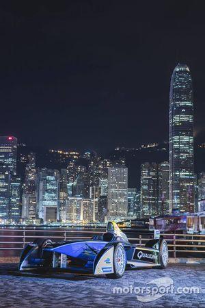 Formula E araçları Hong Kong şekir merkezini ele geçiriyor
