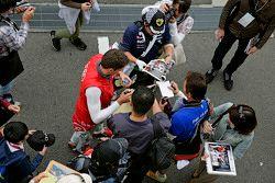 Лоик Дюваль, Audi Sport Team Joest с фанатами