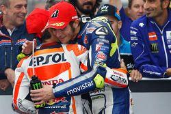 Победитель гонки - Дани Педроса, Repsol Honda Team, второе место - Валентино Росси, Yamaha Factory R