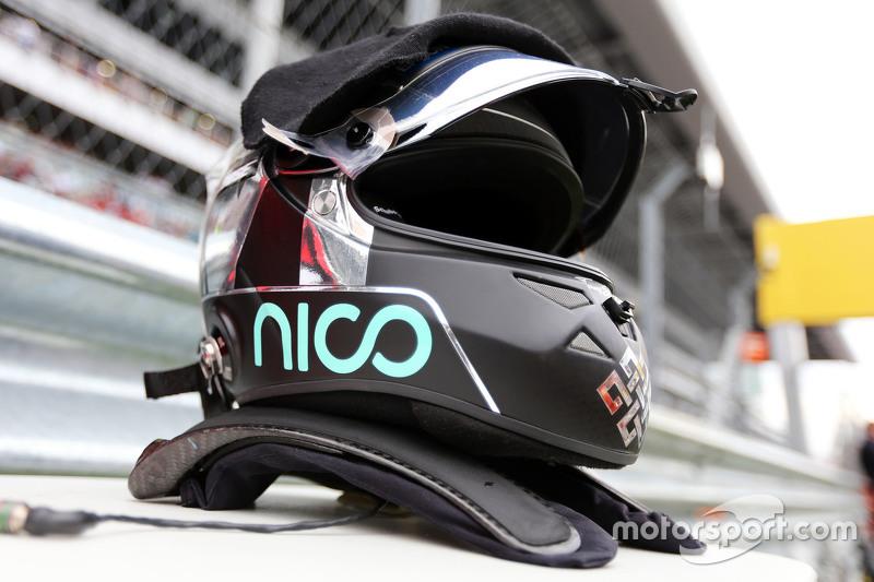 The helmet of Nico Rosberg, Mercedes AMG F1 on the grid