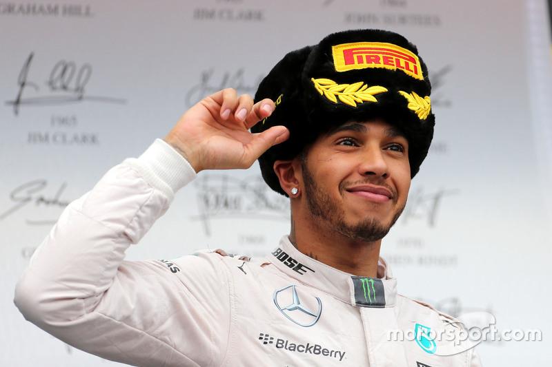 O roteiro se repetiu em 2015, com nova vitória de Hamilton e o bi da Mercedes na Rússia. O britânico conquistou seu terceiro título naquele ano.
