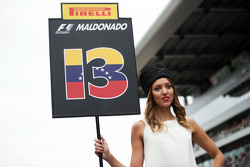 Grid girl de Pastor Maldonado, Lotus F1 Team
