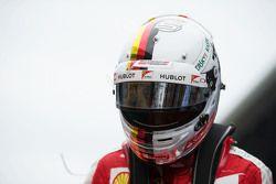 Sebastian Vettel, Ferrari, in der Startaustellung