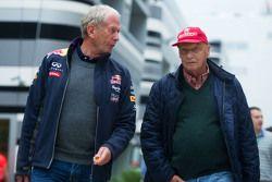 Dr Helmut Marko, Consultant Red Bull Motorsport avec Niki Lauda, Président Non-Exécutif de Mercedes