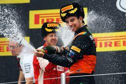 Sergio Perez, Sahara Force India F1 fête sa troisième place sur le podium