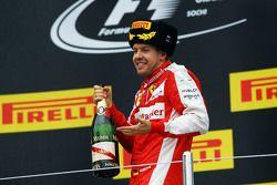 Sebastian Vettel, Ferrari fête sa deuxième place sur le podium