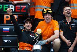 El equipo de Sahara Force India celebra el tercer puesto para Sergio Pérez
