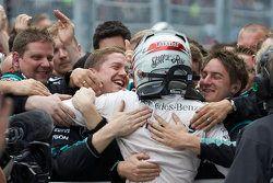 Pemenang balapan, Lewis Hamilton, Mercedes
