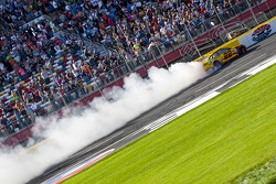 Переможець гонки Джой Логано, Team Penske Ford