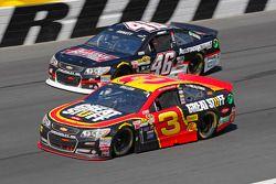 Michael Annett, HScott Motorsports Chevrolet et Austin Dillon, Richard Childress Racing Chevrolet