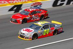Josh Wise, BK Racing Toyota et Jeff Gordon, Hendrick Motorsports Chevrolet