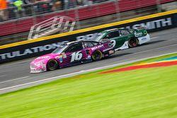 Greg Biffle, Roush Fenway Racing Ford et Sam Hornish Jr., Richard Petty Motorsports Ford