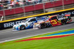 David Ragan, Michael Waltrip Racing Toyota et Austin Dillon, Richard Childress Racing Chevrolet