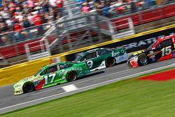 Ricky Stenhouse Jr., Roush Fenway Racing Ford; Sam Hornish Jr., Richard Petty Motorsports Ford