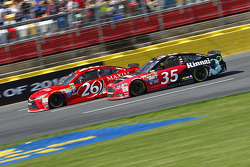 Josh Wise, BK Racing Toyota et Cole Whitt, Front Row Motorsports Ford