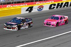 Michael Annett, HScott Motorsports Chevrolet et Landon Cassill, Hillman Circle Sport LLC Chevrolet